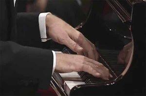 Bases neurologiques du jeu des mains du pianiste